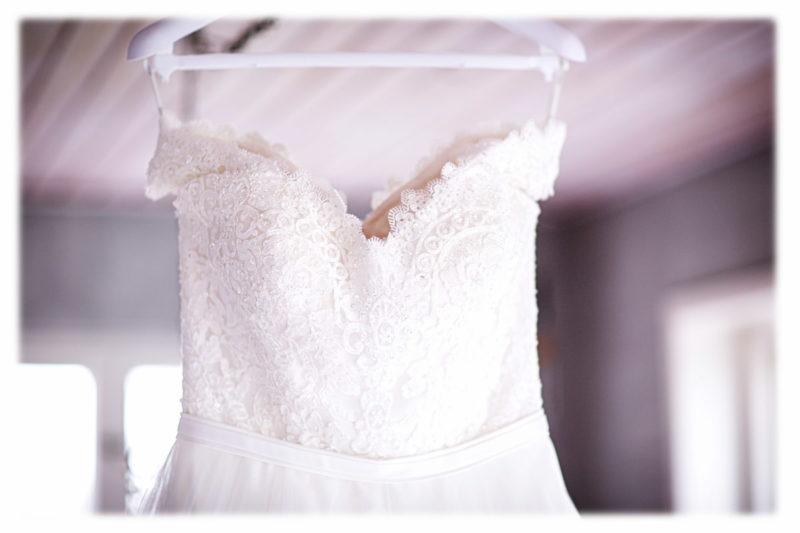 ウェディングドレス購入 人気